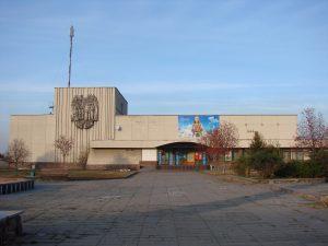 Районний_будинок_культури,_смт._Черняхів_03